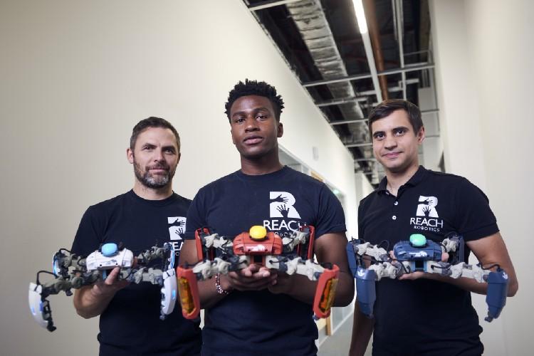 mekamon gaming robot reach robotics team